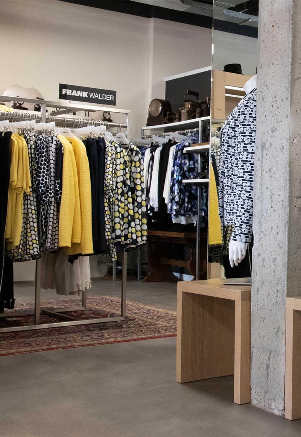 hoesmode veldhoven, kledingwinkel, hoogwaardige collectie dameskleding, Monique Hoes